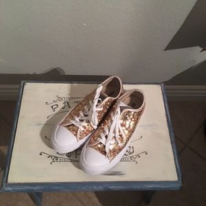 Glitzy cute Converse. Like new